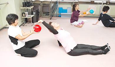 左右の腰の筋力差をなくして、バランスよく身体を支える腰づくり