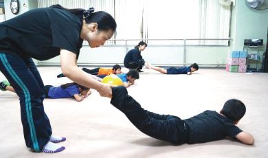 正しく姿勢改善して、慢性的な緊張をほぐす